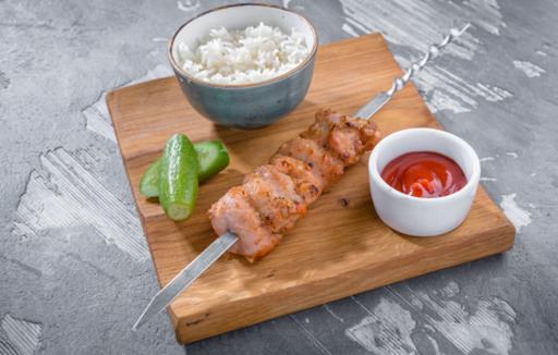 Куриный шашлычок с отварным рисом