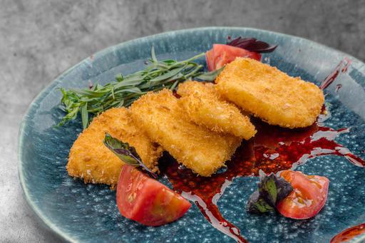 Сыр сулугуни фри с ташкентскими помидорами