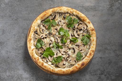Пицца с грибами и трюфелем