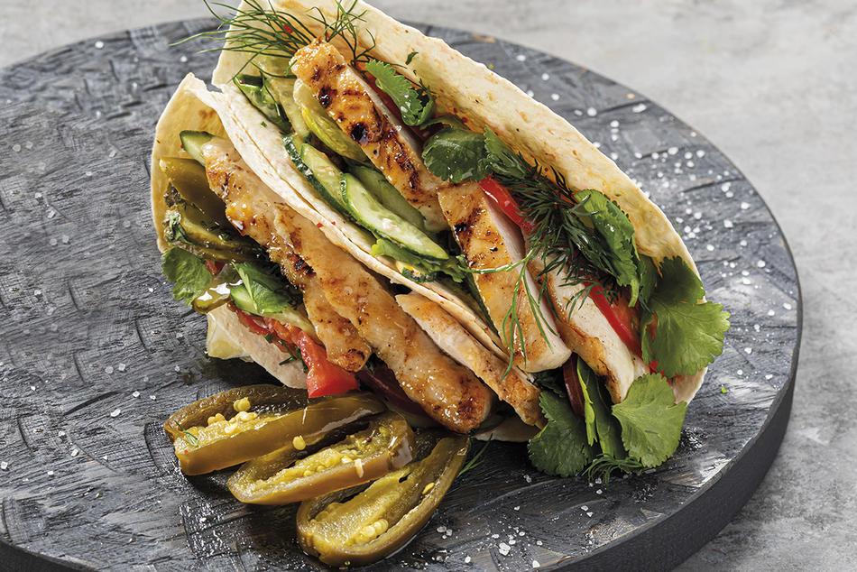 Кесадилья с курицей и овощами