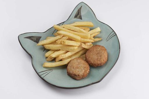 Жареные куриные котлетки с картофелем фри
