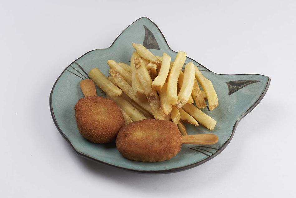 Куриное эскимо с картофелем фри