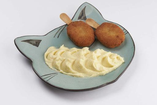 Куриное эскимо с картофельным пюре