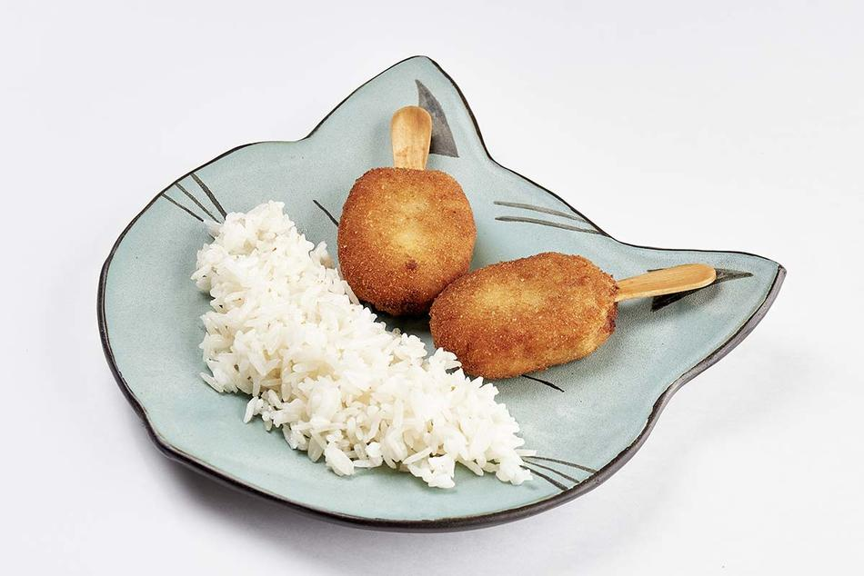 Куриное эскимо с отварным рисом
