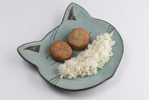 Жареные куриные котлетки с отварным рисом